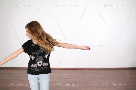 Junges Mädchen Freude Tanzen Foto kaufen Fotoshop