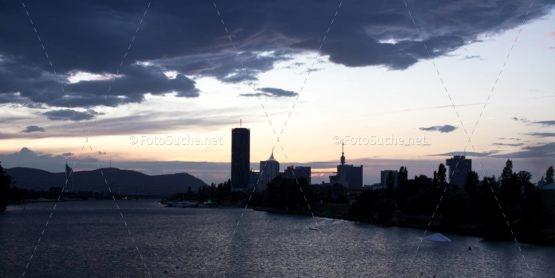 Foto Sonnenuntergang Stadt Fluss | Foto kaufen Foto kaufen | Fotoshop