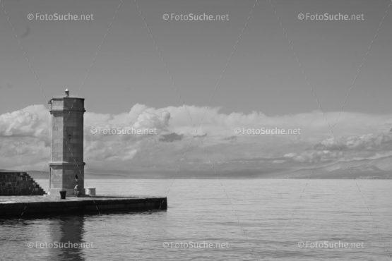 Foto Turm Meer Schwarz Weiss | Foto kaufen Foto kaufen | Fotosuchen