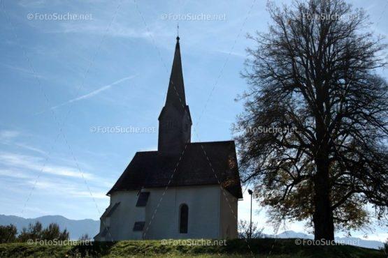Foto Kleine Kirche Baum | Foto kaufen Foto kaufen | Fotoshop