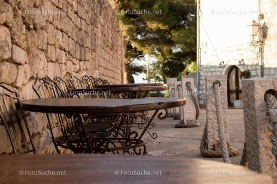 Foto Straßenkaffee Altstadt   Idyllisch Foto kaufen   Fotosuchen