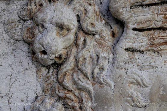 Foto Löwen Skulpturen Steinwand | Historisches Foto kaufen | Fotosuchen