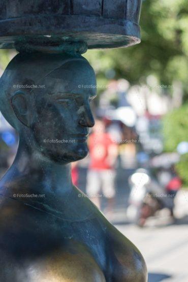 Foto Skulpturen Frauenkopf Stein | Historisches Foto kaufen | Fotosuchen