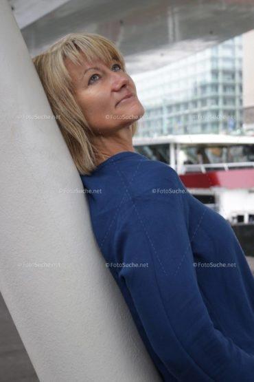 Foto Frauen Portrait Blond hübsches Foto kaufen Fotosuchen